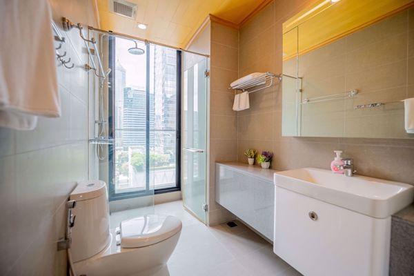 รูปภาพ 1 ห้องนอน Condo ในโครงการ Noble Ploenchit Lumphini Sub District C015522