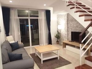 Picture of 3 bed House in Thanapat Haus Sathorn-Narathiwas  Yan Nawa District H015524