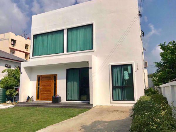 รูปภาพ 5 bed House  Bang Na Sub District H015625