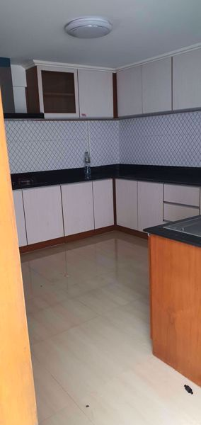 Picture of 6 bed House  Khlong Tan Nuea Sub District H015791