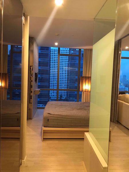 รูปภาพ 1 ห้องนอน Condo ในโครงการ The Room Sukhumvit 21 Khlong Toei Nuea Sub District C015795