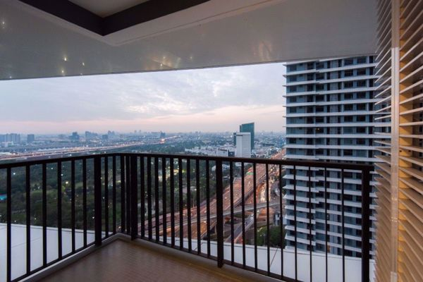 Picture of 2 bed Condo in The Saint Residences Chomphon Sub District C015818