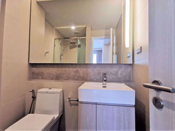 รูปภาพ 2 ห้องนอน Condo ในโครงการ The Lumpini 24 Khlongtan Sub District C015876