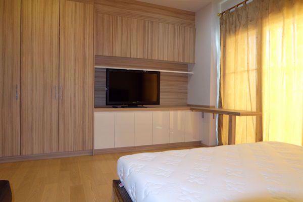 Picture of 1 bed Condo in Noble Reform Samsennai Sub District C015890