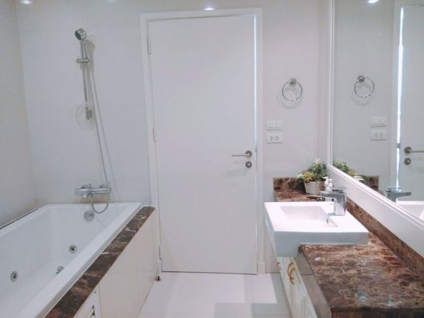รูปภาพ 4 ห้อง Duplex in Piyathip Place Khlong Tan Nuea Sub District D015913