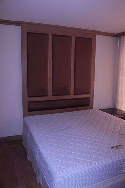Picture of 3 bed Condo in River Heaven Wat Phraya Krai Sub District C015935