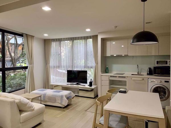 Picture of 1 bed Condo in LIV@49 Khlong Tan Nuea Sub District C016018