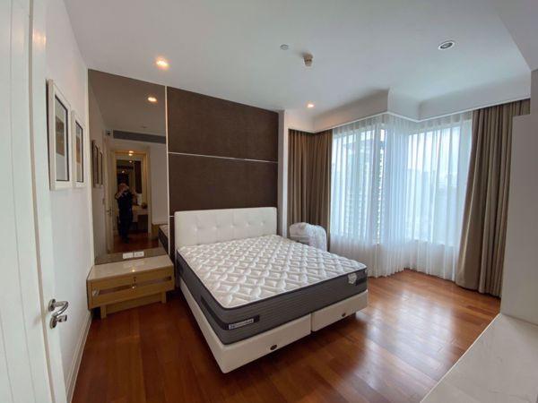 Picture of 2 bed Condo in Q Langsuan Lumphini Sub District C016024