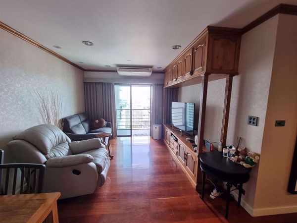 Picture of 2 bed Condo in Sathorn Gardens Thungmahamek Sub District C016045