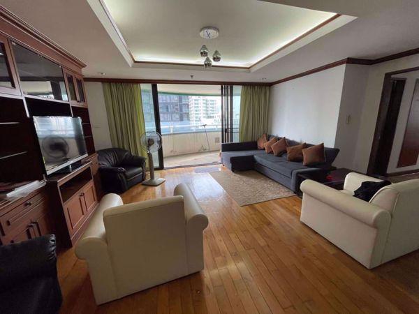 Picture of 2 bed Condo in Las Colinas Khlong Toei Nuea Sub District C016058