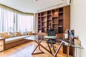 Picture of 3 bed Condo in Watermark Chaophraya Khlong Ton Sai Sub District C016075