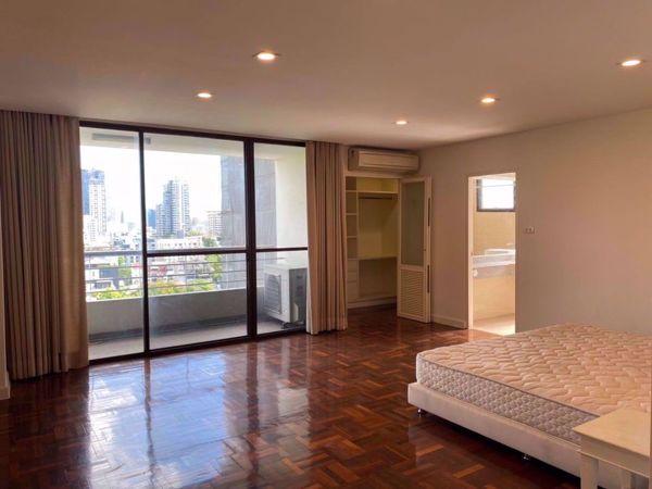 รูปภาพ 3 ห้องนอน Condo ในโครงการ The Habitat Sukhumvit 53 Khlong Tan Nuea Sub District C016155