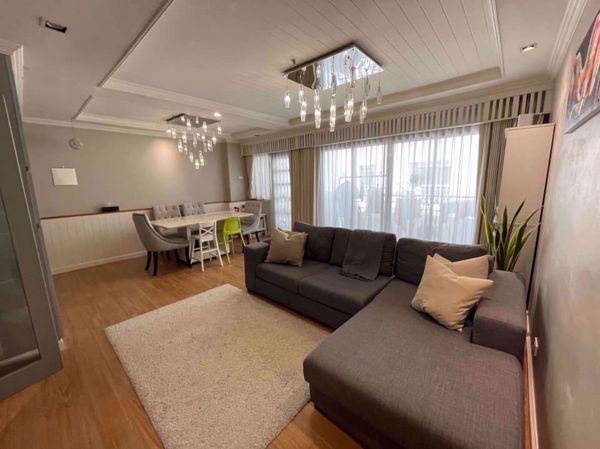 Picture of 3 bed Condo in Top View Tower Khlong Tan Nuea Sub District C016174