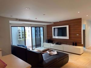 Picture of 3 bed Condo in Richmond Palace Khlong Tan Nuea Sub District C016175