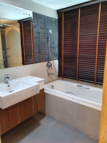 Picture of 1 bed Condo in The Crest Sukhumvit 49 Khlong Tan Nuea Sub District C016186