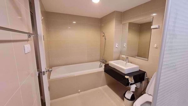 Picture of 3 bed Condo in Belle Grand Rama 9 Huai Khwang Sub District C016295