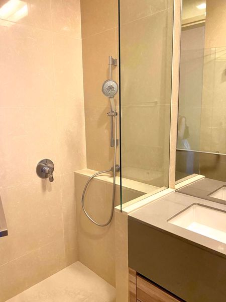 Picture of 1 bed Condo in The ESSE Asoke Khlong Toei Nuea Sub District C016390