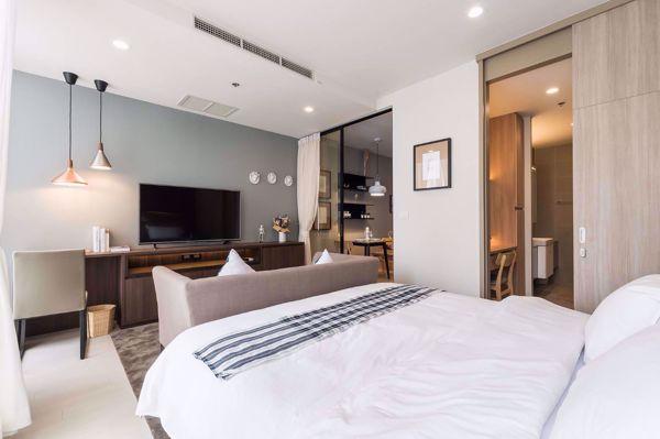 รูปภาพ 1 ห้องนอน Condo ในโครงการ Noble Ploenchit Lumphini Sub District C016401
