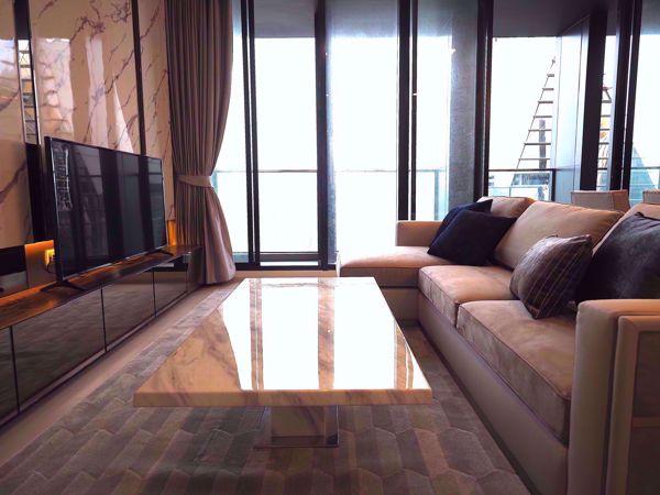 รูปภาพ 2 ห้องนอน Condo ในโครงการ Noble Ploenchit Lumphini Sub District C016404